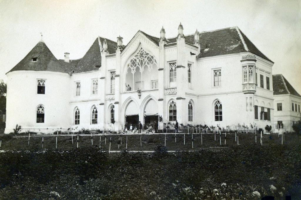 Bontida_Castle_in_1890-2